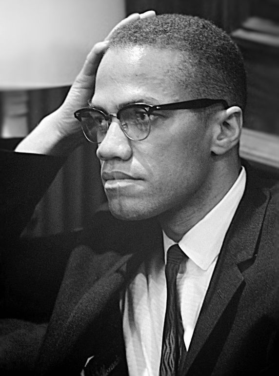 Malcolm_X_March_26_1964_cropped_retouched